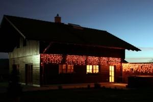 Forsthaus bei Nacht