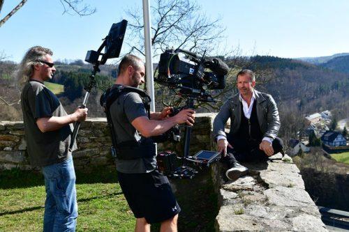 Leonard mit Kameramann auf Schloss Wolkenstein